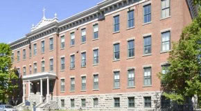 *For Rent* Large 2 bedroom condo under 12 foot Ceilings in Historic Lowertown Building