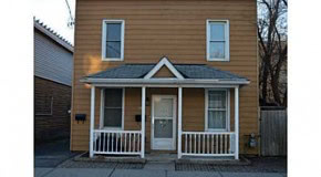 Fully Renovated 2 Bedroom plus Den Apartment in Hintonburg