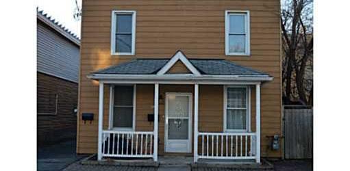 Fully Renovated 2 Bedroom plus Den Apartment in Hintonburg